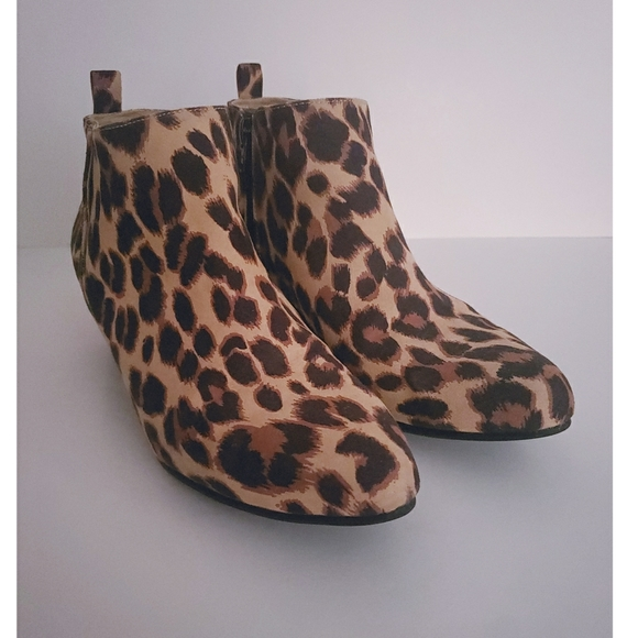 Old Navy Leopard Print Ankle Boots